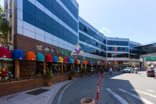 Mecidiyeköy Profilo Plaza da Kiralık 315m2 Ofis - Sokak Cadde Görünümü