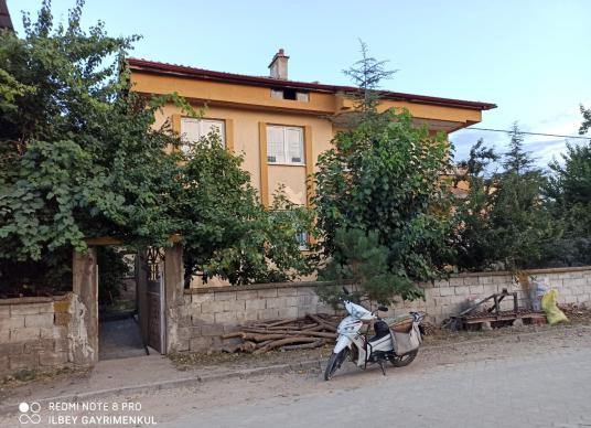 Şuhut Mer. Yalı Mahallesinde Bodrum+2 Kat daireli Müstakil Bina