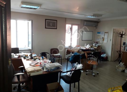 BOSTANCI KAVŞAĞI Metroya Yakın  İşhanında Satılık Ofis Katı 80m2