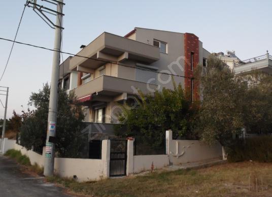 Urla Şirinkent'te Satılık 4+1 Tam Müstakil Villa - Dış Cephe