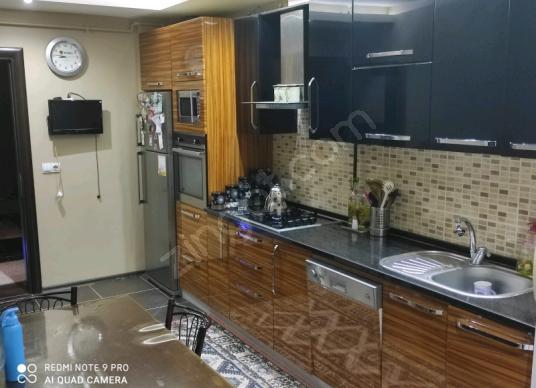 Buca Çamlikule Mah.3+1 150 m2 Arakat Cadde Üzeri Satılık Daire - Mutfak