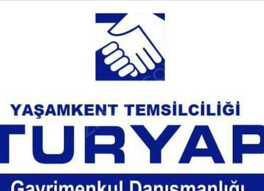 Arnavutköy Yeniköy'de Yol Kenarı Arsa