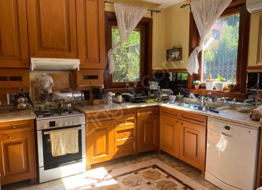 1. Leventte kiralık 425m2 villa - Mutfak