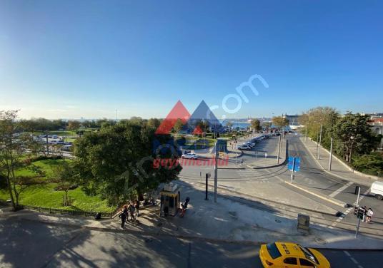 Kadıköy iş Yeri RIHTIM da İSKELE Metro Durağı Yanında