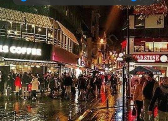 Caferağa'da, insan trafigi gece gunduz, haftaici haftasonu yogun - undefined