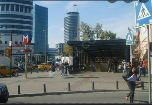 Beşiktaş Levent'te Kiralık Cafe / Restoran / Bar - Sokak Cadde Görünümü