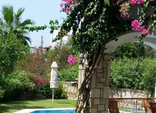 Bodrum Kumbahçe'de Site içinde Havuzlu,Bahçeli Müstakil Villa - Çocuk Oyun Alanı