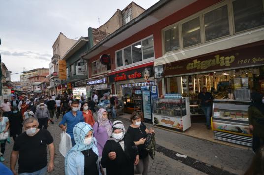 İzmir Kemeraltın da Satılık Kiracılı Değerli Ticari Mülk - Sokak Cadde Görünümü