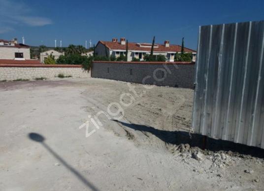 Çeşme Alaçatıda Satılık Otel Arsası 750.000 Euro - Sokak Cadde Görünümü