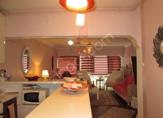 Fahrettin Altay Meydan Yakını Cadde Üzeri Satılık 3+1 daire - Salon
