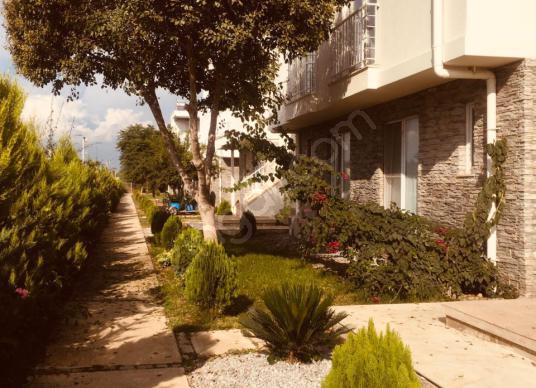 KADRİYE'DE SİTE İÇİNDE MÜSTAKİL TARZINDA FULL EŞYALI 2+1 DUBLEKS - Bahçe