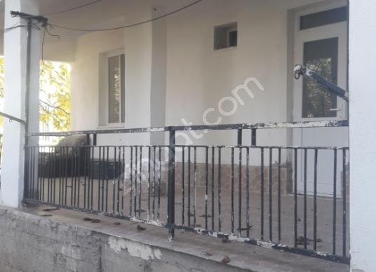 Ağlasun Kum Mahallesinde Satılık Müstakil Ev - Balkon - Teras