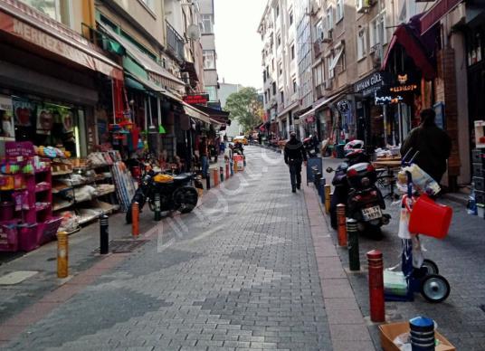 KADIKÖY SERASKER CADDESİ'NDE DEVREN KİRALIK CAFE