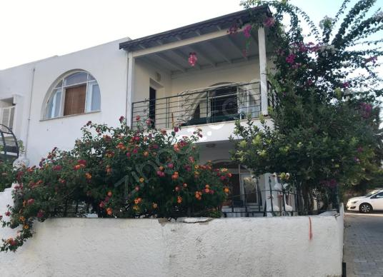 Bağla'da Özel Plajlı Bank Ev Sahil Sitesinde Müstakil Villa