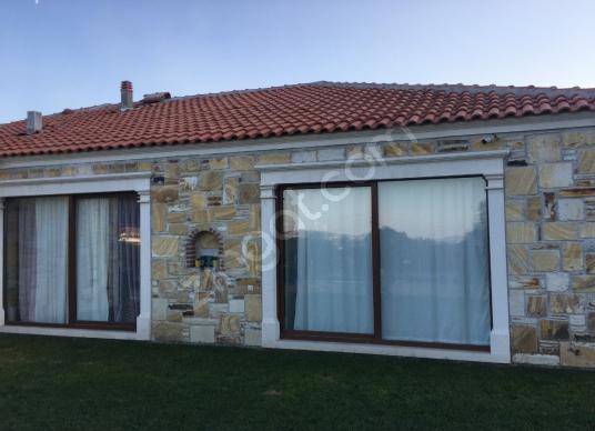 Foça Kozbeyli'de Satılık 200 m2 Taş Ev - 2,5 Dönüm Arsa İçinde - Dış Cephe