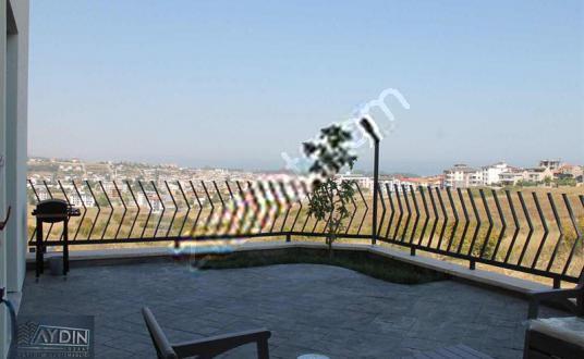 ÇİFTLİKKÖY'DE 3+1 FULL DENİZ MANZARALI BAHÇE KATI - Balkon - Teras