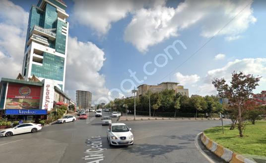 BEYLİKDÜZÜ'NDE 75 M2 OSB, HASTANE VE MİGROS LOKASYONLU DÜKKAN - Sokak Cadde Görünümü