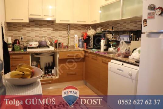 Narlıdere'de 3 katlı satılık villa deniz manzaralı - Mutfak