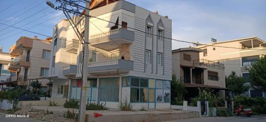 İzmir Ürkmez de Sahile Yakın 3+1 Eşyalı Satılık Daire - Dış Cephe