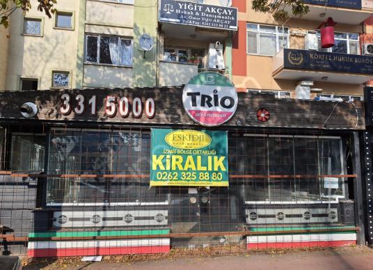 Eskidji'den Yürüyüş yolunda KOÜ yanında bahçeli kiralık dükkan - Dış Cephe