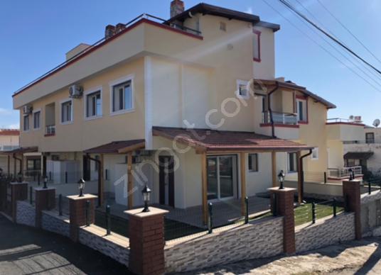 Menderes Özdere Çukuraltı'da Deniz Manzaralı Satılık Villa - Dış Cephe