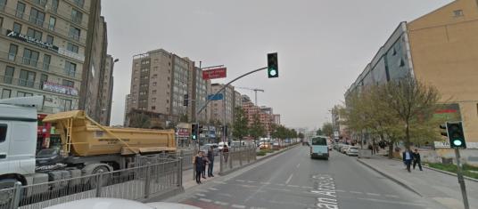 DOĞAN ARASLI'DA OTOPARKLI DÜKKAN - Sokak Cadde Görünümü