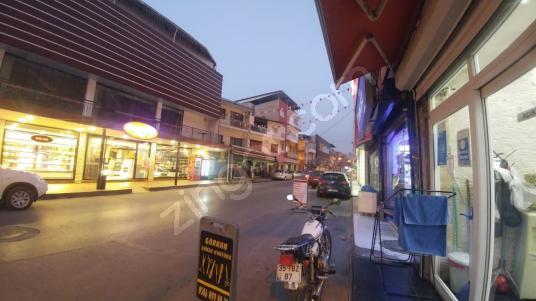 Çamdibi Ana Cadde Üzeri 5 Konut 3 Dükkan Köşe Binamız Satılıktır - Sokak Cadde Görünümü