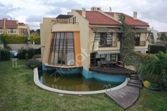 Silivri Sinpaş Sealybria da 5+2 Deniz Manzaralı Eşyalı Villa