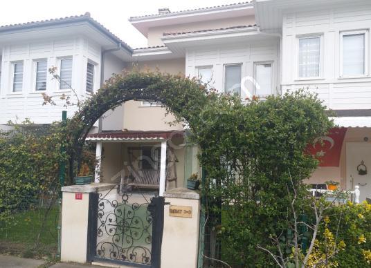 Esenyurt Ardıçlı Evler 4 Katlı 340 m² 5+2 Kiralık İmbat Villa