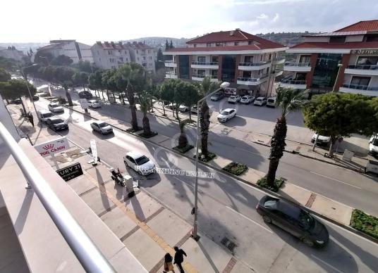 URLA YENIKENT ANA CADDE ÜSTÜ DUBLEX 3 YASINDA DAIRE - Sokak Cadde Görünümü