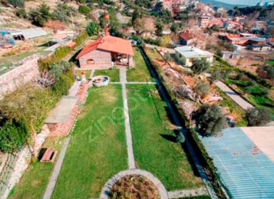 240 square meters 3+1 bedrooms Farm House For Rent in Bornova, İzmir - Arsa
