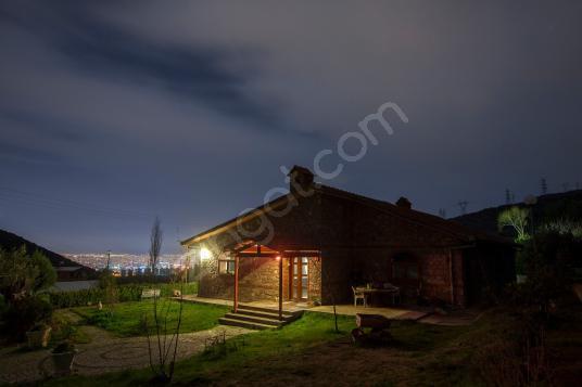 İzmir Bornova Eğridere Köyünde Kiralık İşyerine Uygun Çiftlikevi