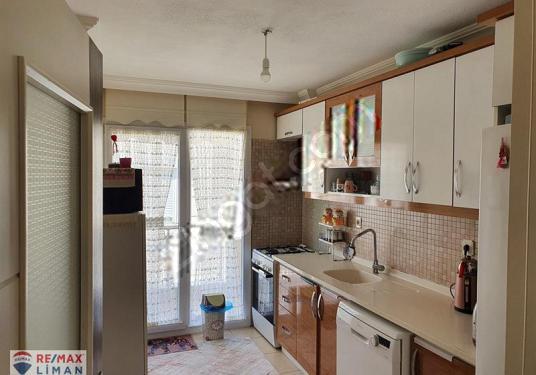 AYVALIK SARIMSAKLIDA MERKEZİ SİSTEM ASANSÖRLÜ SATILIK 2+1 DAİRE - Mutfak