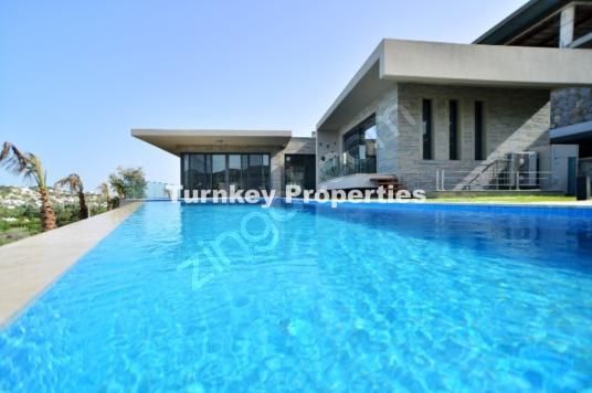 Konfor Odaklı Yaşam   Yalıkavak Manzaralı Satılık Lüks Villa - Yüzme Havuzu