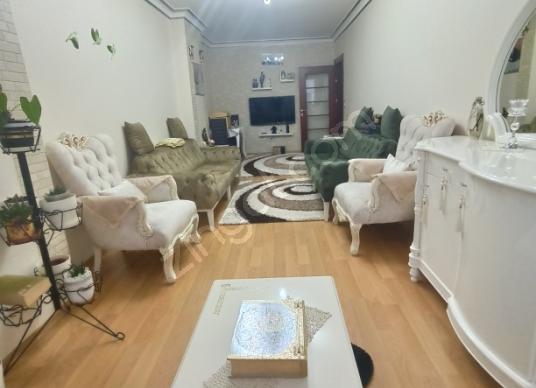ORTABAYIR'DA MERKEZİ KONUMDA OTOPARKLI 3+2 165 M2 SATILIK DAİRE - Salon