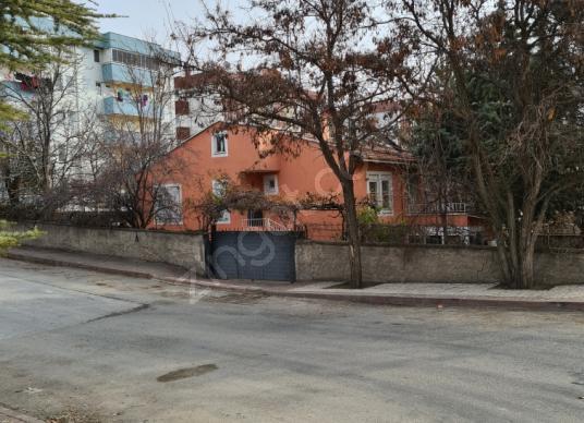 Kırşehir Merkez Güldiken'de Satılık Müstakil Ev - Sokak Cadde Görünümü
