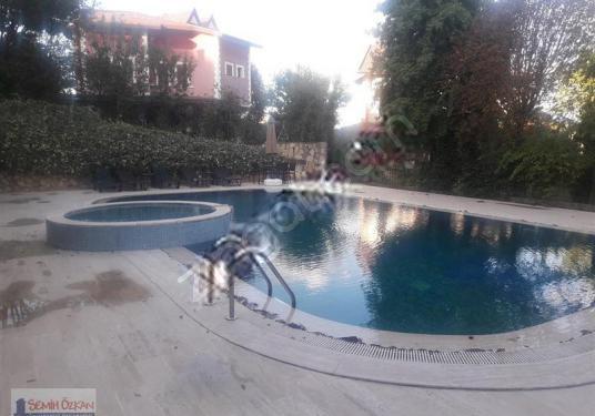 ZEKERİYAKÖY MERKEZDE ÖZEL YAPIM VİLLA - Yüzme Havuzu