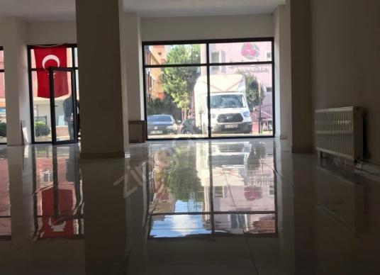 Ümraniye Esenevler'de Satılık Dükkan / Mağaza Depolu - Salon