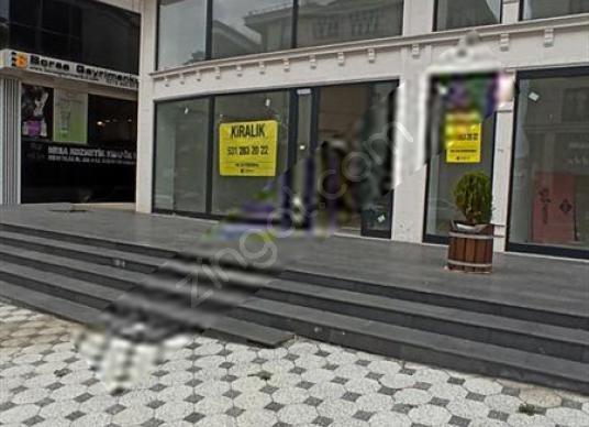 Zübeyde Hanım Caddesi Üzerinde Tabela Değeri Yüksek Düz Ayak - Sokak Cadde Görünümü