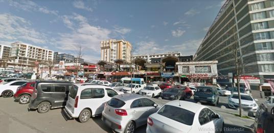 Satılık Kurtköy Grup Center İş Merkezi Yatırımlık Dükkan - Sokak Cadde Görünümü