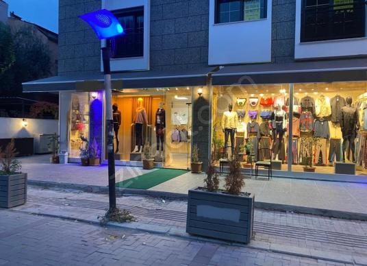 Buca Şirinyer'in En İşlek Caddesi Olan Forbes'te Satılık Dükkan - Çocuk Oyun Alanı