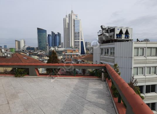 Mecidiyeköy Merkezde Kiralık Ofis 11+2 620 m2
