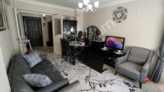 Karşıyaka Donanmacı'da Satılık 2+1 daire - Salon