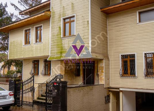Levent'te Satılık 650 m2 Harika Konumda Kapalı Garajlı Villa - Dış Cephe