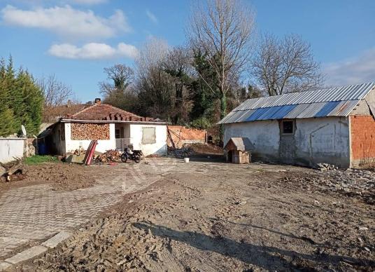 UZMANLAR' dan Satılık Çiftlik Evi  865m2 Karamürsel Yalakdere