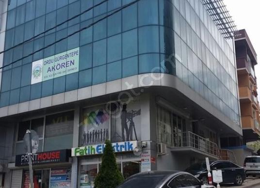 Sancaktepe Sarıgazi Atatürk Caddesi Üzerinde Kiralık Ofis- Büro