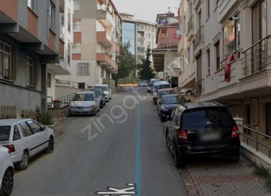 Selma Erdoğan'dan Çekmeköy Mehmet Akif Ersoy'da 2+1 Satılık - Sokak Cadde Görünümü