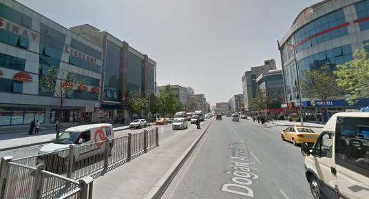 ESENYURT'DA KİRALIK 9500 M2 ZEMİNE BASAN DEPO - Sokak Cadde Görünümü