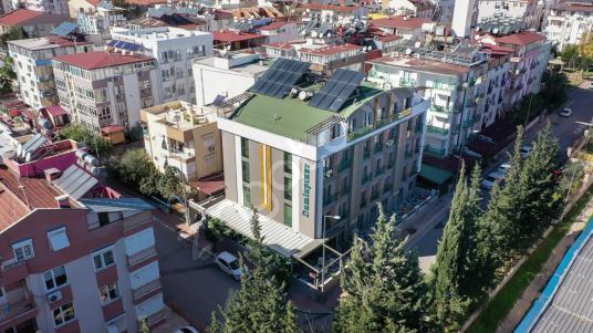 Antalya'nın Merkezi Konumun da 61 Odalı Satılık Lüks Butik Otel