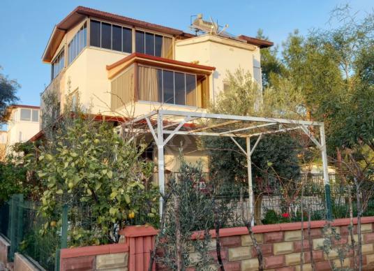 Didim Akbük de Satılık Villa köşe ve geniş bahçeli - Dış Cephe